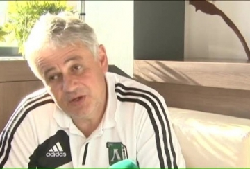 Стойчо Стоев: Не показвам емоция, това вреди на футболистите (ВИДЕО)