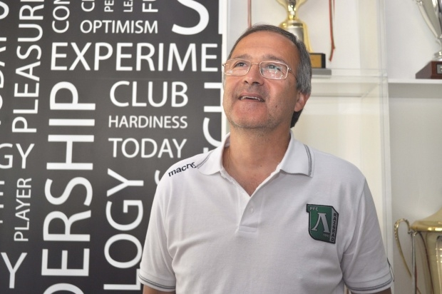 Дерменджиев: Не е фатално да загубим от Ливърпул